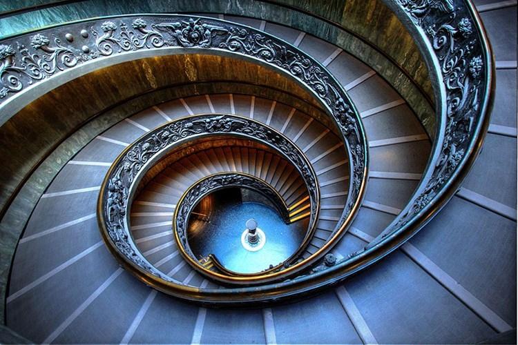 spiral-stairs-2-2-ybjy-20150907180937